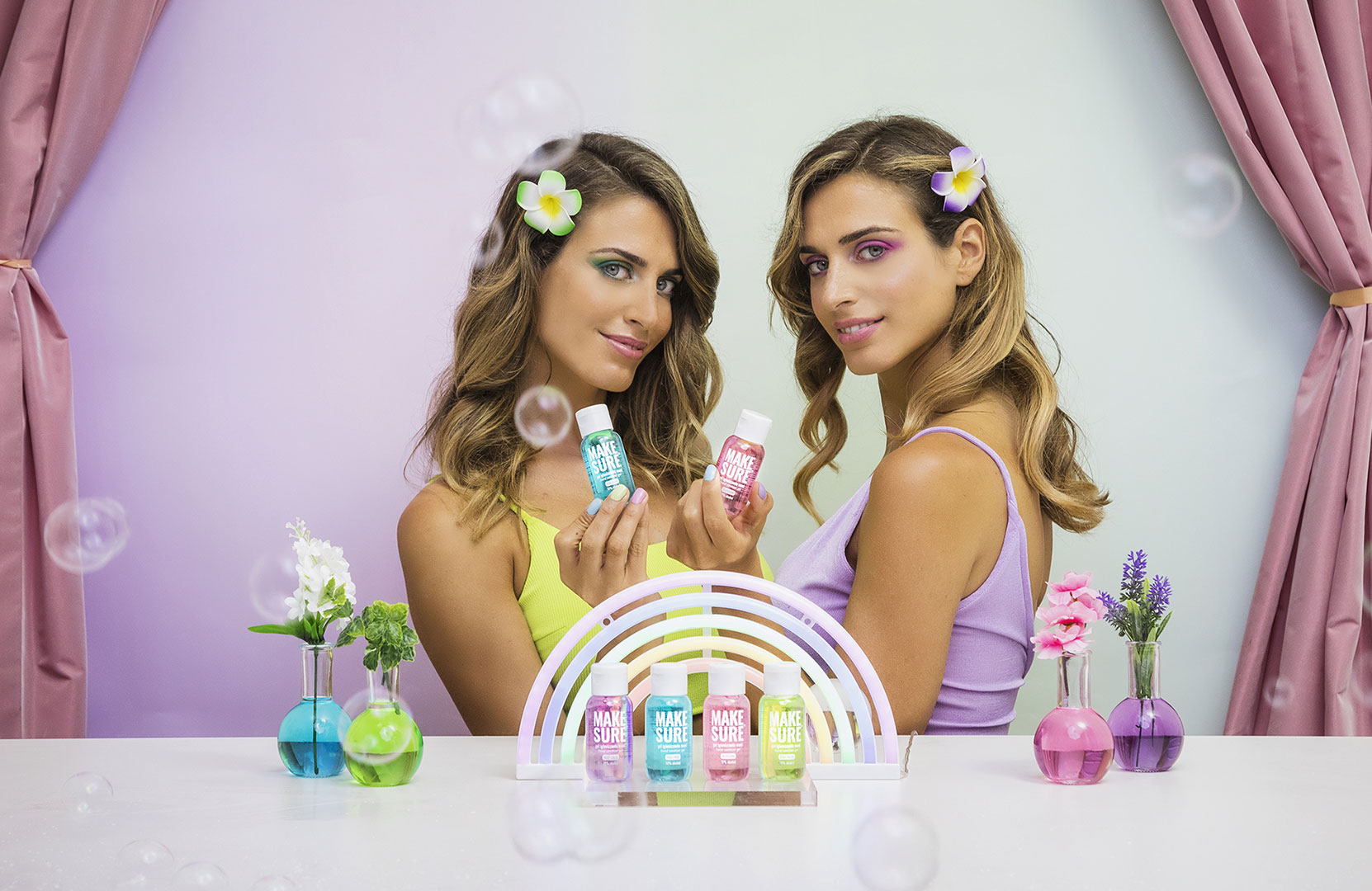 gel igienizzanti mani make-sure campaign - elena and giulia sella design by gemini